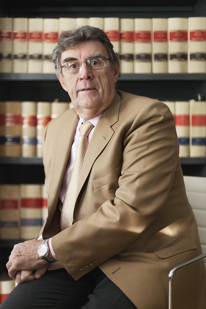 Antonio Raventós Abogados